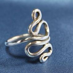 Silver Twisting Wire Ring. Love swirls.