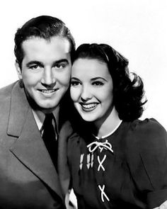 """Vintage Stardust on Instagram: """"In honor of the birthday of John Payne (1912-1989), this is a promotional still of he and Linda Darnell (1923-1965) for the film """"Star…"""" Hollywood Men, Old Hollywood Movies, Golden Age Of Hollywood, Hollywood Actresses, Classic Hollywood, Actors & Actresses, Alice Faye, John Payne, Real Movies"""