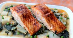 Easy Roasted Salmon and Bok Choy http://greatist.com/eat/recipes/easy-roasted-salmon-and-bok-choy