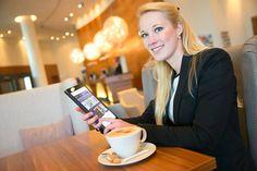 #HOTELS #SWD #GREEN2STAY Radisson Blu Hotel, Rostock  Willkommen zur Radisson Blu MediBox  Ab sofort bieten wir unseren Gästen eine große Auswahl an aktuellen Tageszeitungen und Magazinen kostenfrei als E-Paper.  Über den inkludierten High-Speed Internetzugang (100Mbit) können Sie ganz einfach Ihren gewünschten Titel herunterladen  und auch noch später auf dem Smartphone, Tablet-PC oder Laptop lesen.