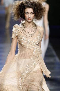 Dior Fashion, Runway Fashion, Fashion Outfits, Paris Fashion, Dior Couture, Couture Dresses, Pink Outfits, Fashion Pictures, Beautiful Outfits