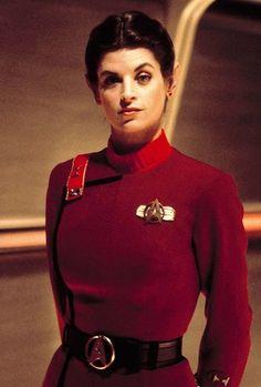 Saavik in Star Trek II: The Wrath Of Khan. Rumor has it that Kirstie Alley refused to wear Vulcan eyebrows. Star Trek Ii, Star Trek Cast, Star Wars, Star Trek Voyager, Vulcan Star Trek, Star Trek Original Series, Star Trek Series, Dark Autumn, Science Fiction