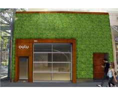 Oulu Bar & Eco-Lounge [Williamsburg] Cited as Brooklyn's first living wall, the Oulu Bar & Eco-Lounge certainly attracts attention with its huge external living wall. Manufactured by a company called ETL and installed by Green Living Technologies, this s Vertical Green Wall, Verticle Garden, Garden Living, Diy Garden Decor, Garden Art, Sustainable Design, Decoration, Backyard, Outdoor Decor