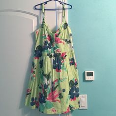 Hollister Floral Summer Spaghetti Strap Dress Size small, barely worn, in great condition. Perfect for the trip to the beach or to wear out on a hot summer night. Hollister Dresses Mini