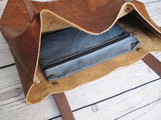Karamell LEDERSHOPPER: leicht und geräumig - ideal für den Einsatz als Tote oder um Ihre wesentliche in Stil zu tragen. Mit einem Vintage-Look, Polster-Leder ist leicht und perfekt für unterwegs oder als eine Tasche für den Einkaufsbummel. Wildleder Futter mit dreifach genähte Nähte für