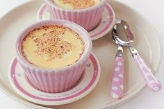 Baked egg custard: - - - - Get the kids interested in baking with these simple baked custard desserts. Baked Egg Custard, Egg Custard Recipes, Custard Desserts, Baked Eggs, Egg Custard Pie Recipe With Evaporated Milk, Custard Cake, Slimming World Cake, Slimming World Desserts, Slimming World Recipes Syn Free