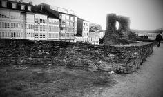 Muralla de la antigua Lucus Augusti, actualmente Patrimonio de la Humanidad.  Foto realizada por Zaira López López.