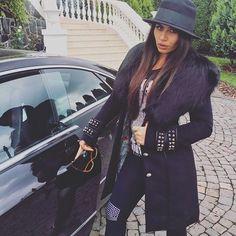 💂🏾😏😜#goo#good#day#cute#instagram#instasize#follow#fashionstyle#fashion#model#life#world#instagram#girl#beautiful#hot#sexy#selfie#am#house#car#mercedes#black#top#bye#pp#womanslook