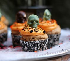 Halloween snacks: Gulrotcupcakes med ostekrem - uten sukker og gluten! (En helseblogg om jakten etter en friskere...)