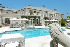 A touch of Luxe: LUXE house: Lisa Vanderpump from Real Housewife's of Beverly Hills's house