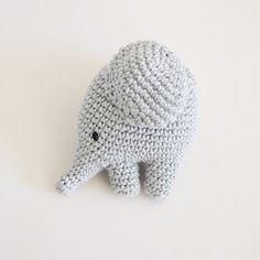 Kostenlose deutsche Anleitung für einen gehäkelten Elefanten