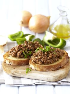 Savoury Mince on Buttered Toast: classic comfort food the whole family will enjoy! #Knorr #GroundBeef