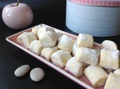 Marcipánové špalíčky - Víkendové pečení Christmas Cookies, Baked Goods, Cheesecake, Dairy, Baking, Food, Pastries, Xmas Cookies, Christmas Crack