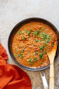 Vegan Keema Madras with lentils. Keema is usually a minced meat dish made with combination of spices to add a complex flavor. This Keema uses red lentils. Serve this with flatbread, rice or with dosa or appam. #Vegan #Glutenfree #Soyfree #Nutfree #Recipe #veganKeema #keemamadras Mince Recipes, Lentil Recipes, Vegetarian Recipes, Cooking Recipes, Healthy Recipes, Madras Curry Recipe Vegetarian, Vegan Main Dishes, Indian Dishes, Main Meals