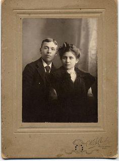 IROQUOIS MOHAWK COUPLE