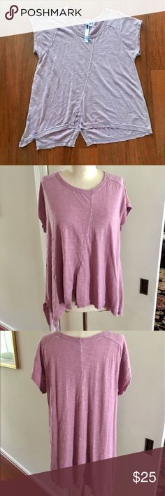 Burnout Tee! Wilt is known for making the best 100% cotton tees! Their fun shapes and uneven hems make wearing a comfy tee also stylish! This split hem scoop neck in a pretty mauve color is a must have for your closet! No damage or signs of wear. Wilt Tops Tees - Short Sleeve