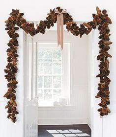 Pinecone garland - perfect for fall and then transition into the Christmas holidays with the right bow