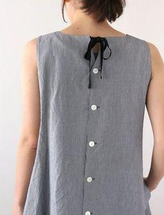 40 Ideas for sewing blouse mens shirt refashion - Men's style, accessories, mens fashion trends 2020 Designer Kurtis, Designer Dresses, Diy Clothes, Clothes For Women, Sewing Blouses, Sewing Shirts, Shirt Refashion, Indian Designer Wear, Linen Dresses