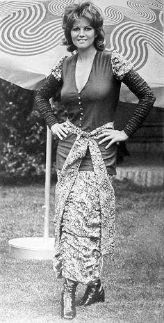 Claudia Cardinale, Divas, Classic Actresses, Actors & Actresses, Gina Lollobrigida, Non Plus Ultra, Actrices Sexy, Italian Actress, Italian Beauty