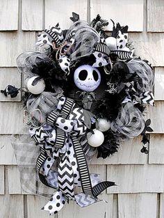 Nightmare-Before-Christmas-Wreath-for-The-Door-20-Jack-Skellington-Black-White
