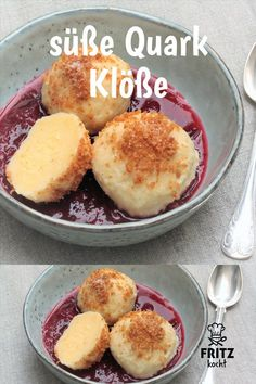 Every fruit compote and vanilla sauce go well with these quark dumplings, they just taste delicious . # dumplings Informations About leckere, süße Quark Knödel Pin You ca Quick Dessert Recipes, Healthy Desserts, Easy Desserts, Sweet Recipes, Cake Recipes, Breakfast Recipes, Quark Recipes, Cream Recipes, Dessert Simple