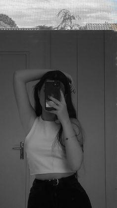 Teenage Girl Photography, Girl Photography Poses, Photoshop Photography, Cool Girl Pictures, Girl Senior Pictures, Girl Photos, Profile Pictures Instagram, Couple Photoshoot Poses, Fake Girls