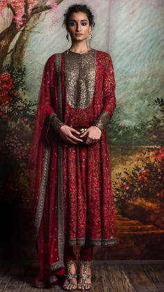indian designer wear Sabyasachi is a brand that needs no introduction as it is a tycoon in the Indian Fashion industry. From celebrities to the brides to the girl next door, This b Pakistani Couture, Indian Couture, Pakistani Dresses, Indian Dresses, Indian Outfits, Ethnic Fashion, India Fashion, Asian Fashion, Indian Inspired Fashion