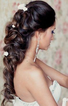 félig leengedett esküvői frizurák - félig leengedett esküvői frizura