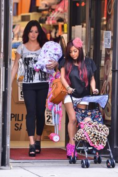 I'm not a jersy shore fan, but i couldnt resist repinning this. Pregnant Snooki practicing for motherhood with a baby doll
