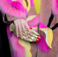 http://www.schiaparelli.com/fr/collections/haute-couture-automne-hiver-2015-16-l-ambiance/