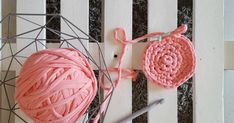 Blog con mis creaciones originales, y otras no tanto, en trapillo, chalkpaint, patchwork, scrap, y otras manualidades, y también con mis niños. Diy Crochet Toys, Crochet Earrings, Projects To Try, Blog, Ideas, Products, Crochet Stars, Crocheted Toys, Throw Pillows