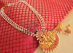 Beautiful matte finish ruby designer necklace set-Dj08906 Indian Jewellery Design, Bead Jewellery, Temple Jewellery, Beaded Jewelry, Silver Jewelry, Jewelry Design, Pearl Set, India Jewelry, Simple Jewelry