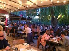 Guinguettes, restaurante de noite