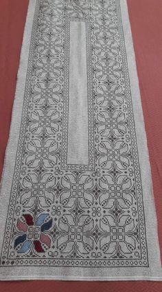 Cross Stitch Art, Cross Stitch Designs, Cross Stitch Embroidery, Embroidery Patterns, Hand Embroidery, Cross Stitch Patterns, Crochet Butterfly, Crochet Birds, Palestinian Embroidery