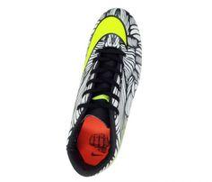 18bdfe0e55 Chuteira Nike Hypervenom Phelon 2 Neymar JR Branco e Verde - Cabedal  confeccionado em material sintético