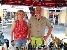 """Marisa e Roberto """"Nonostante tutte le difficoltà burocratiche e legislative bisogna preservare la nostra tradizione! Il vino é il sostentamento della persona!"""""""