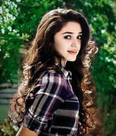 Most Beautiful Bollywood Actress, Beautiful Actresses, Celebrity Pictures, Girl Pictures, Cute Girl Hd Wallpaper, Short Hair Lengths, Samantha Pics, Beautiful Blonde Girl, Indian Celebrities