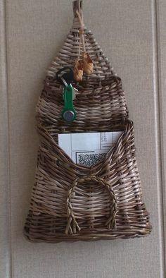 Wall Basket, Baskets On Wall, Hanging Baskets, Newspaper Crafts, Paper Basket, Borneo, Craft Tutorials, Store Design, Basket Weaving
