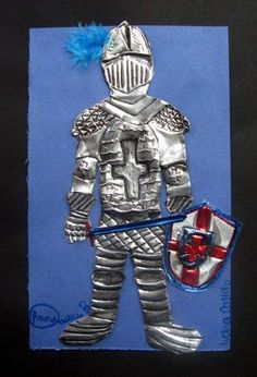 Armor Repousse Sixth graders were excited to learn about medieval armor and to… Elementary Art Rooms, Art Lessons Elementary, Classe D'art, Aluminum Foil Art, Medieval Art, Medieval Crafts, Medieval Times, Creation Art, Armadura Medieval
