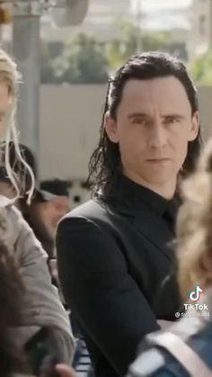 Avengers 2012, Marvel Avengers Movies, Loki Marvel, Avengers Memes, Marvel Jokes, Marvel Actors, Disney Marvel, Marvel Funny, Thor