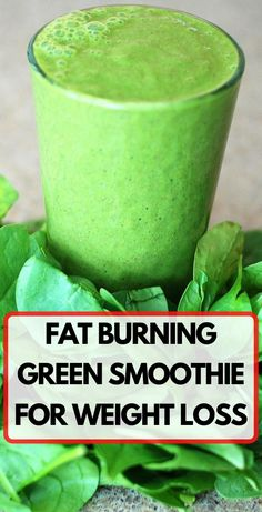 The most effective green smoothie diet includes foods that are rich in iron and those that protect the body from inflammation such as pineapples and avocados. This is the perfect combination for weight loss, hydration and alkalization of the body. Fat Burning Smoothies, Fat Burning Drinks, Fat Burning Tips, Fat Burning Foods, Detox Cleanse Drink, Detox Drinks, Weight Loss Drinks, Weight Loss Smoothies, Fat Cutter Drink