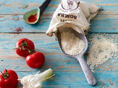 Meeresfrüchte suchen die Gäste hier vergeblich! In die Paella valenciana kommt nur rein, was aus dem Feld zu finden ist: Hähnchen, Bohnen und natürlich Reis. So geht das Original!