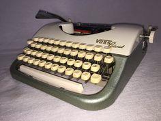 Portable typewriter Voss Privat mechanische von nostalgiehauscom