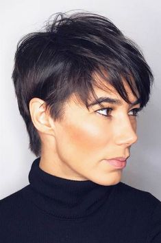 This article is meant to show you all the benefits that short hair can bring into your life. We want you to know that it's never too late to change something in your life, and your haircut is actually a good start. #shorthaircuts #shorthairlove #haircuts