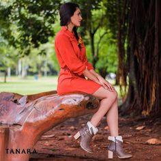 Ministério Tanara adverte: o uso contínuo desta bota provoca muitas fotos elogios e bafafás nas redes sociais. AMAMOS