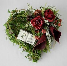 Most current Screen Grapevine Wreath funeral Thoughts Include you made an autumn wreath yet? Magnolia Leaf Garland, Fall Leaf Garland, Diy Garland, Purple Front Doors, Front Door Colors, Thanksgiving Banner, Thanksgiving Decorations, Fall Wreaths, Christmas Wreaths