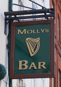Pub Sign Art a la cARTe: Molly's Bar - Gloucester, Gloucestershire