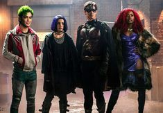 Titans, the flagship series of the new DC Universe, feels like a natural progression for the audience that grew up watching the animated series Teen Titans, a dark drama in its own right. Batwoman, Nightwing, Teen Titans Love, Teen Titans Show, Titans Tv Series, Dc Comics Series, Brenton Thwaites, New Titan, Dc Tv Shows