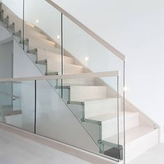 Escalia trapp fra @hagen_as #escaliatrapp#trapp#nordicinspiration #nordiskehjem#glassrekkverk#vibyggernytt#funkishus