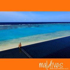 고용한 인도양을 바라보며, 사색에 잠기는 이 시간... 몰디브의 오후는 오늘도 평온합니다. #쿠라마티리조트 #몰디브 #수영장 #인도양 #리얼몰디브